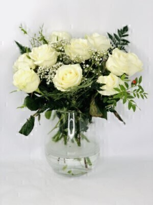 Chalky Charm White Roses: Booker Flowers and Gifts